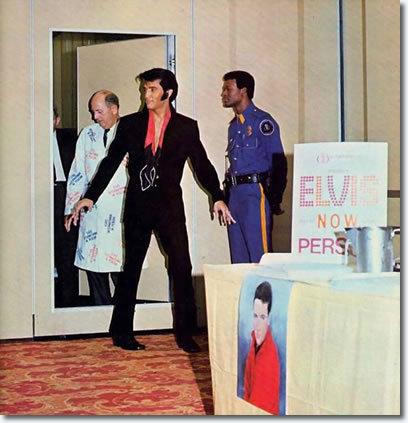 Elvis-1969-elvis-presley-7905442-408-423