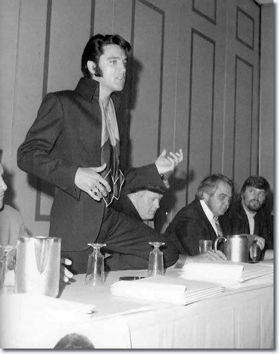 Elvis-1969-elvis-presley-7905451-408-517