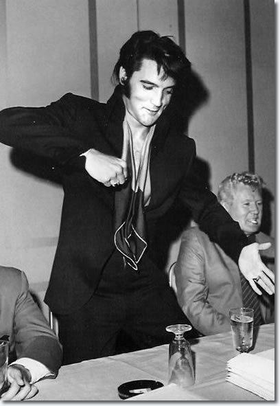Elvis-1969-elvis-presley-7905452-408-591
