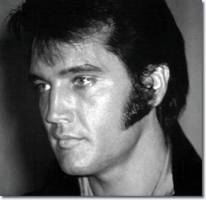 Elvis-1969-elvis-presley-7905455-408-395