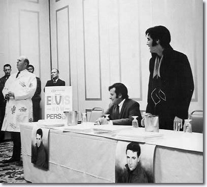 Elvis-1969-elvis-presley-7905456-408-369