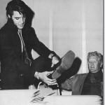 Elvis-1969-elvis-presley-7905457-408-431