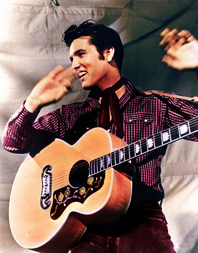 Elvis-Presley-1957-Loving-You-Movie-Guitar-Shot-elvis-presley-9203110-391-500