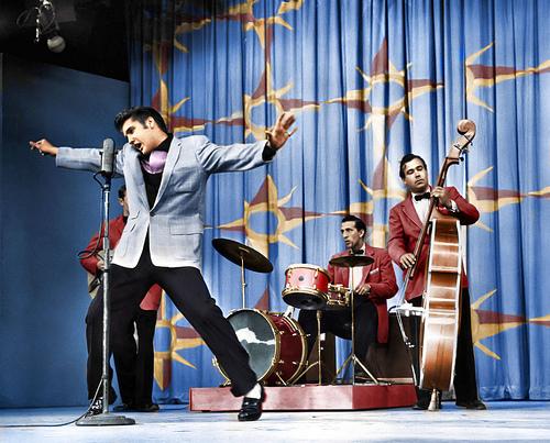 Elvis-Presley-On-Stage-1956-Milton-Berle-Show-elvis-presley-9203281-500-403