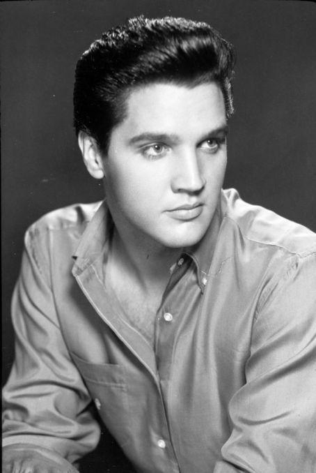 Elvis-Presley-elvis-presley-8927139-454-678