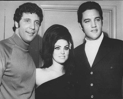Elvis-Presley-elvis-presley-8927143-400-322
