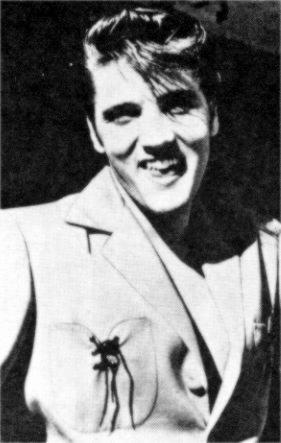 Elvis-Presley-elvis-presley-9199859-281-443