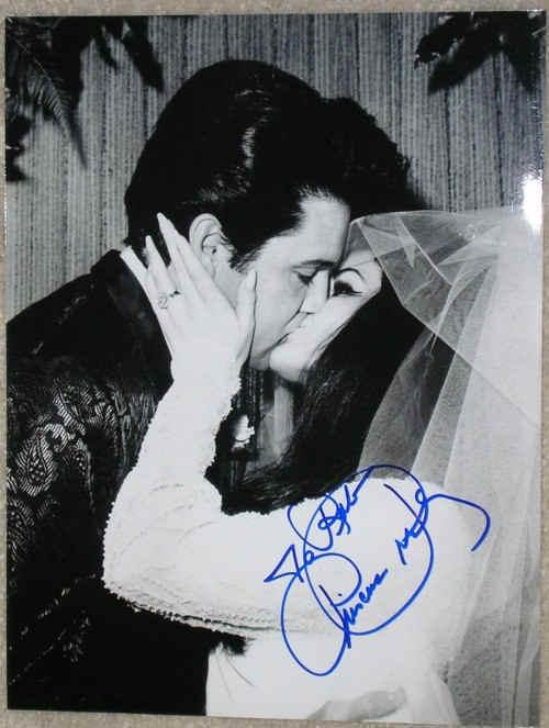 Elvis-elvis-presley-6879196-500-663