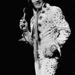 Elvis-elvis-presley-7008265-440-656
