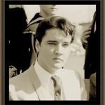 Elvis-elvis-presley-8026763-490-531