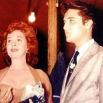 The-King-and-Susan-Hayward-elvis-presley-8003256-495-352