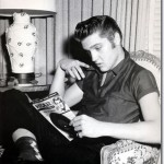 elvis_50s_reading_newspaper